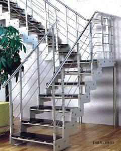 tampilan tangga berbelok