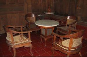 11 cara menata ruang tamu ukuran kecil dan besar