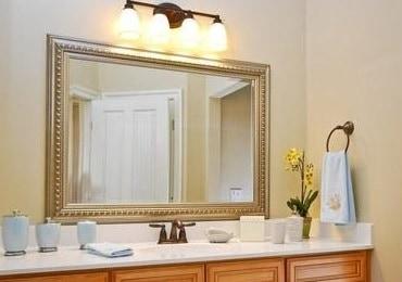 12 Cara Membersihkan Cermin Yang Buram Agar Kinclong Kembali