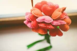 hati warna warni kain flanel