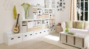 Salah satu permasalahan yang biasa ditemukan pada rumah yang berukuran kecil adalah tidak mempunyai tempat penyimpanan barang yang cukup. & 15 Cara Menata Rumah Kecil Agar Terlihat Luas dan Menarik - RumahLia.com