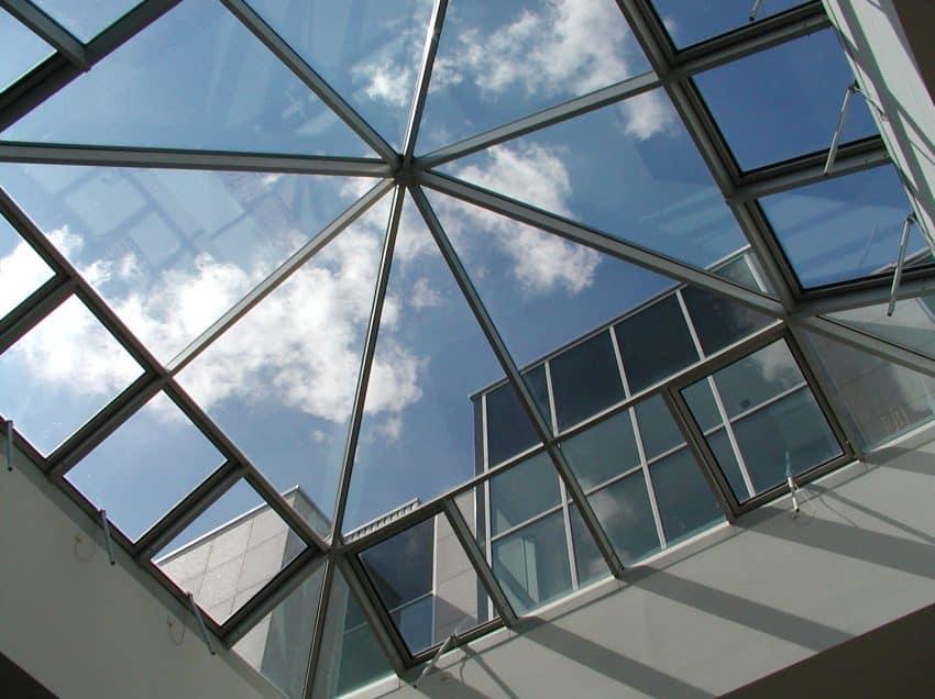 7 Cara Pemasangan Atap Skylight yang Mudah dan Praktis