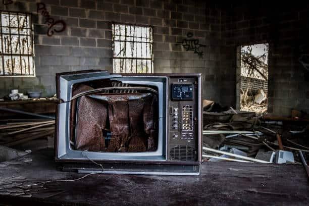 3 Cara Memperbaiki Televisi yang Tidak Bisa Menyala