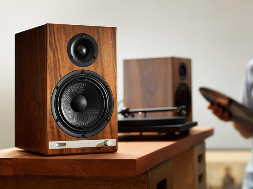 6 Cara Memperbaiki Kabel Speaker yang Putus