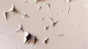 dinding mengelupas