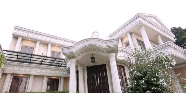 5 Rumah Artis Indonesia Paling Mewah Seperti Istana
