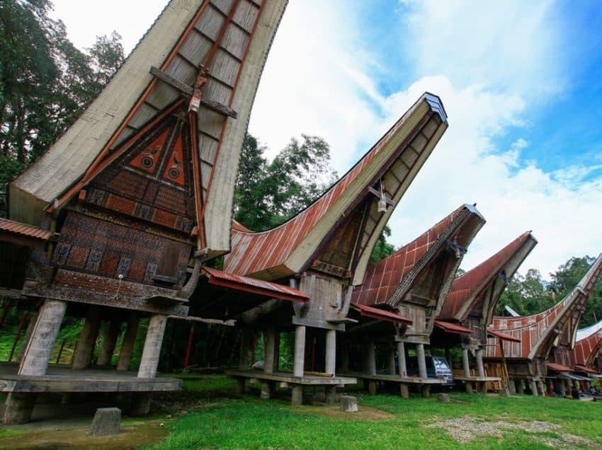 8 Keunikan Rumah Adat Tongkonan Khas Tana Toraja