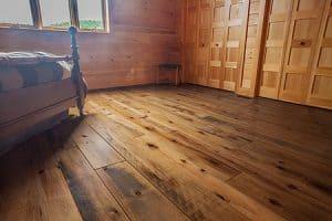 lantai-kayu-pinus