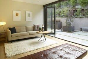 6 dekorasi ruang keluarga terbuka yang nyaman - rumahlia